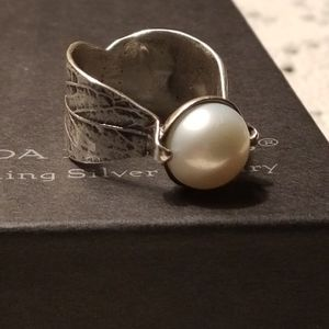 Silpada Sterling Silver Pearl Ring